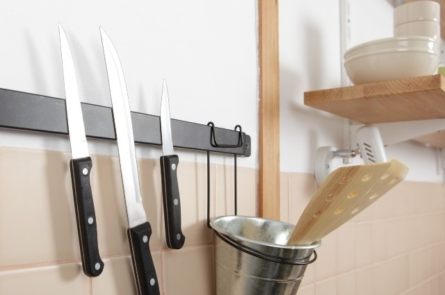 How To Mount A Magnetic Knife Strip On Tile